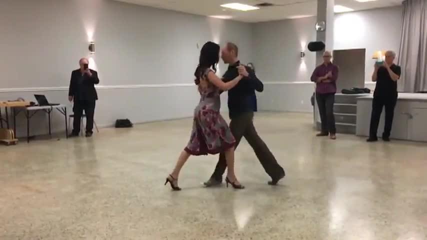 École de Tango Argentin Tango Rico - Cours de danse - 514-835-6141