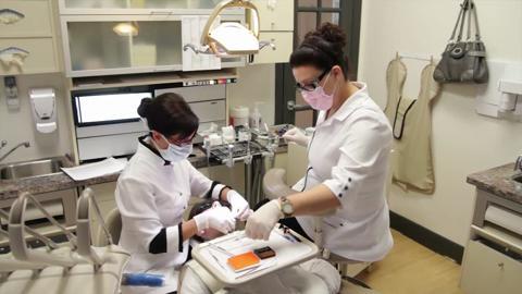 Centre Dentaire et d'Implantologie Côté-Beauregard & Ass - Vidéo 1