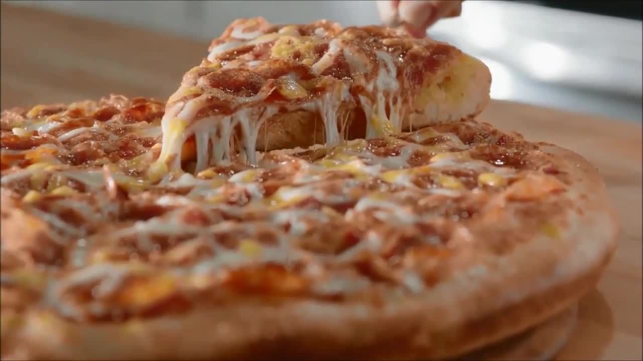 Papa Murphy's is a well-known pizza outlet in the US. Established in , Papa Murphy's can compete with other pizza stores such as Pizza Hut and Dominos. No doubt, Papa Murphy's can expand its chains up to outlets.