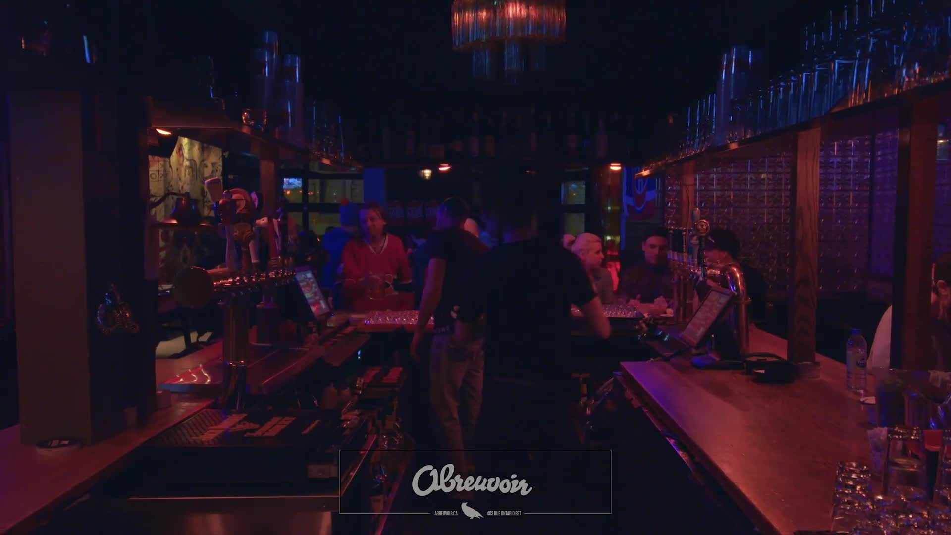 Pub L'Abreuvoir Inc - Bars - 514-843-5469