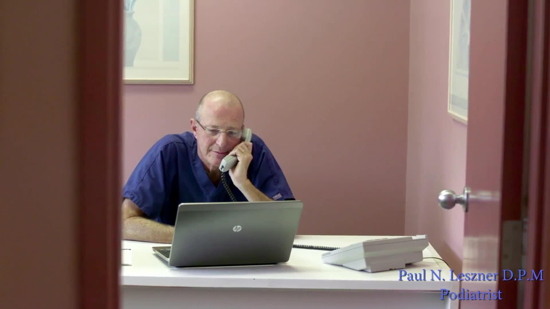 Leszner Paul N DPM - Podiatrists - 416-494-6354